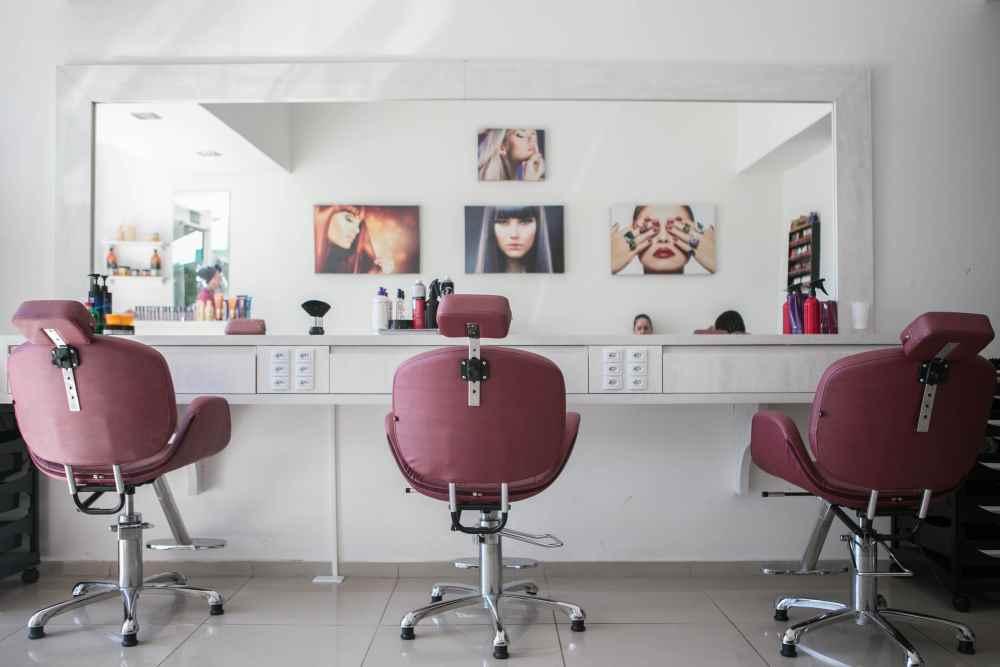 Hair salon. Photo by Guilherme Petri on Unsplash