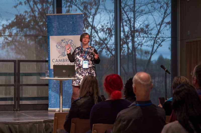 Rachel Extance presenting at Cambridge Social Media Day 2019 by Jemima Willcox Photography
