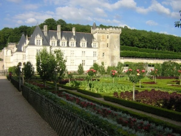A photo of a French chateau